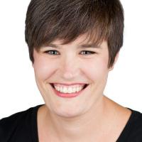 Carmen's Professional Headshot by Kliiq Headshots